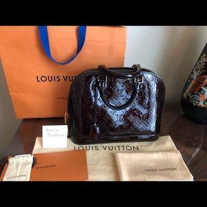 Louis Vuitton Alma PM Amarante Vernis